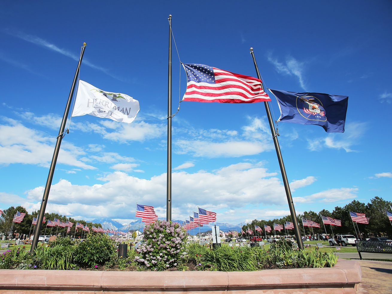 Utah lowers flags for COVID-19 victims