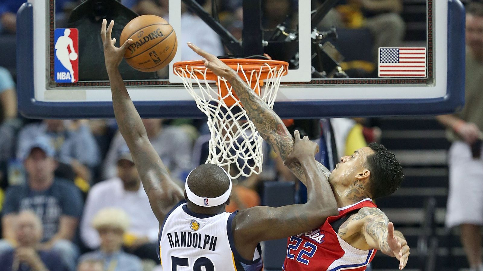 When Matt Barnes decided to hug it out with Z-Bo - Grizzly ...