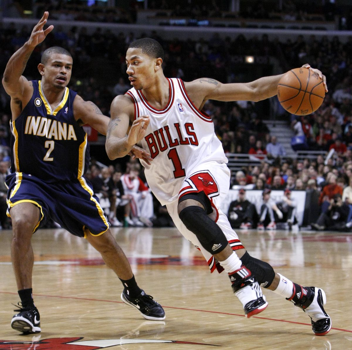 d791d51374bb Rick Scuteri Associated Press Derrick Rose drives on Indiana Pacers guard  Earl Watson during the second half of their game