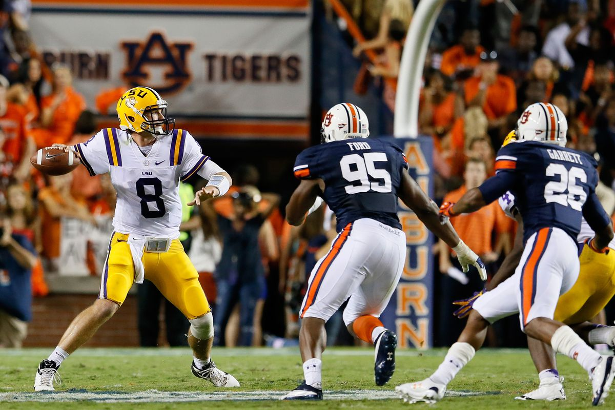 AUBURN, AL - SEPTEMBER 22:  Zach Mettenberger #8 of the LSU Tigers looks to pass against the Auburn Tigers at Jordan Hare Stadium on September 22, 2012 in Auburn, Alabama.  (Photo by Kevin C. Cox/Getty Images)