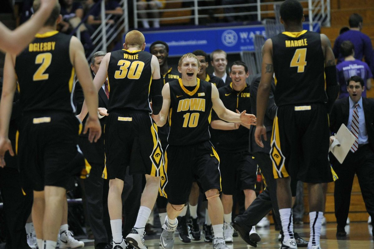 The happiest people to play for Iowa come from Nebraska ... ask Mike Gesell (10).