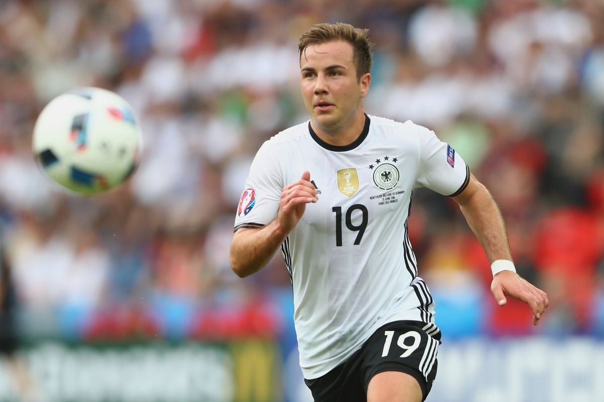 Mario Götze reportedly choosing between Tottenham Borussia