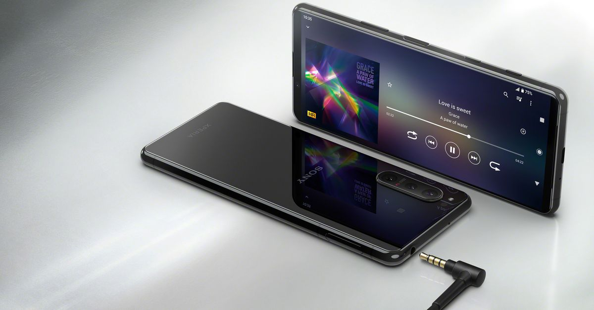 Sony announces the Xperia 5 II with 120Hz screen and actually useful game enhancements