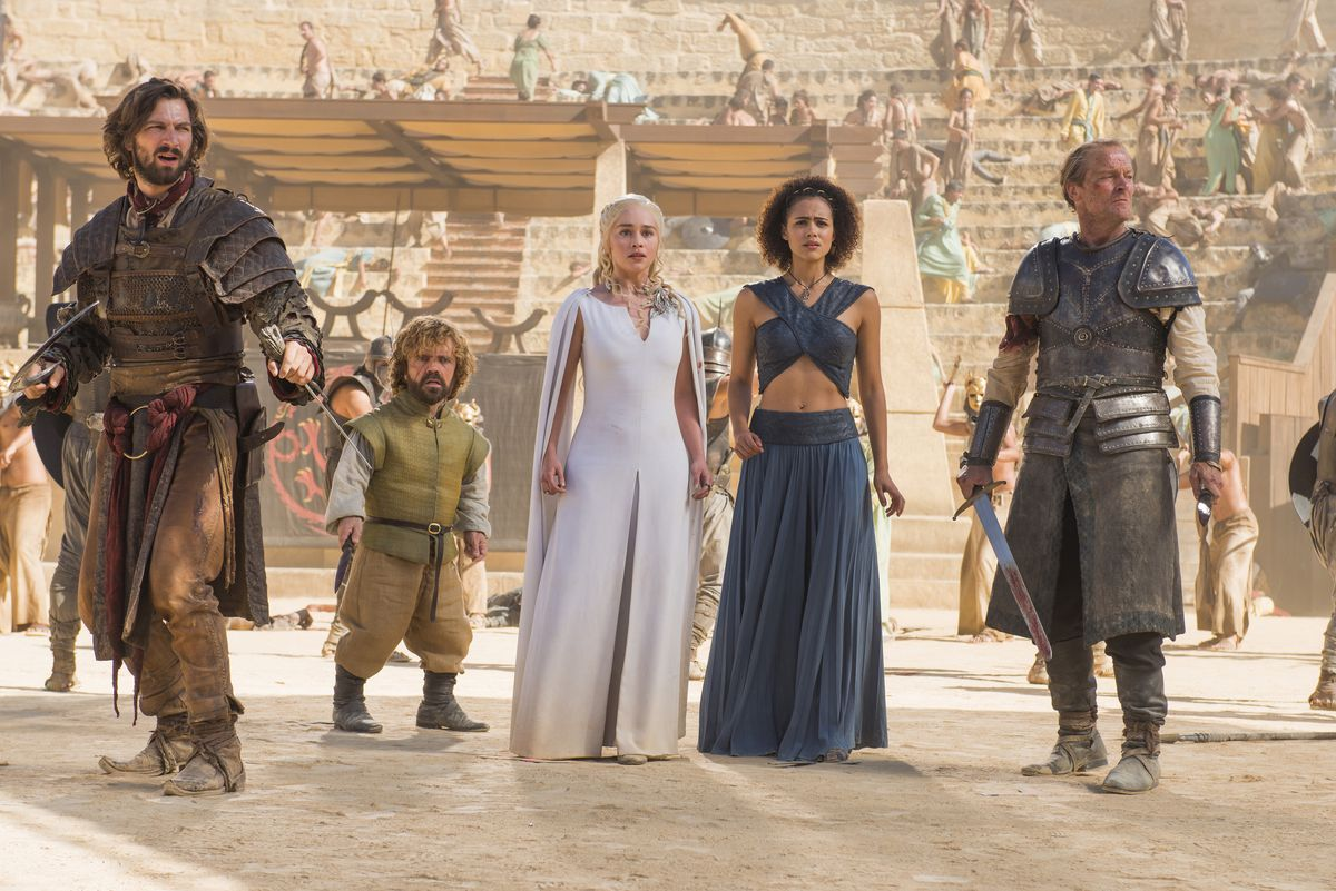 Dany and her entourage during the Harpy ambush at the fighting pits.