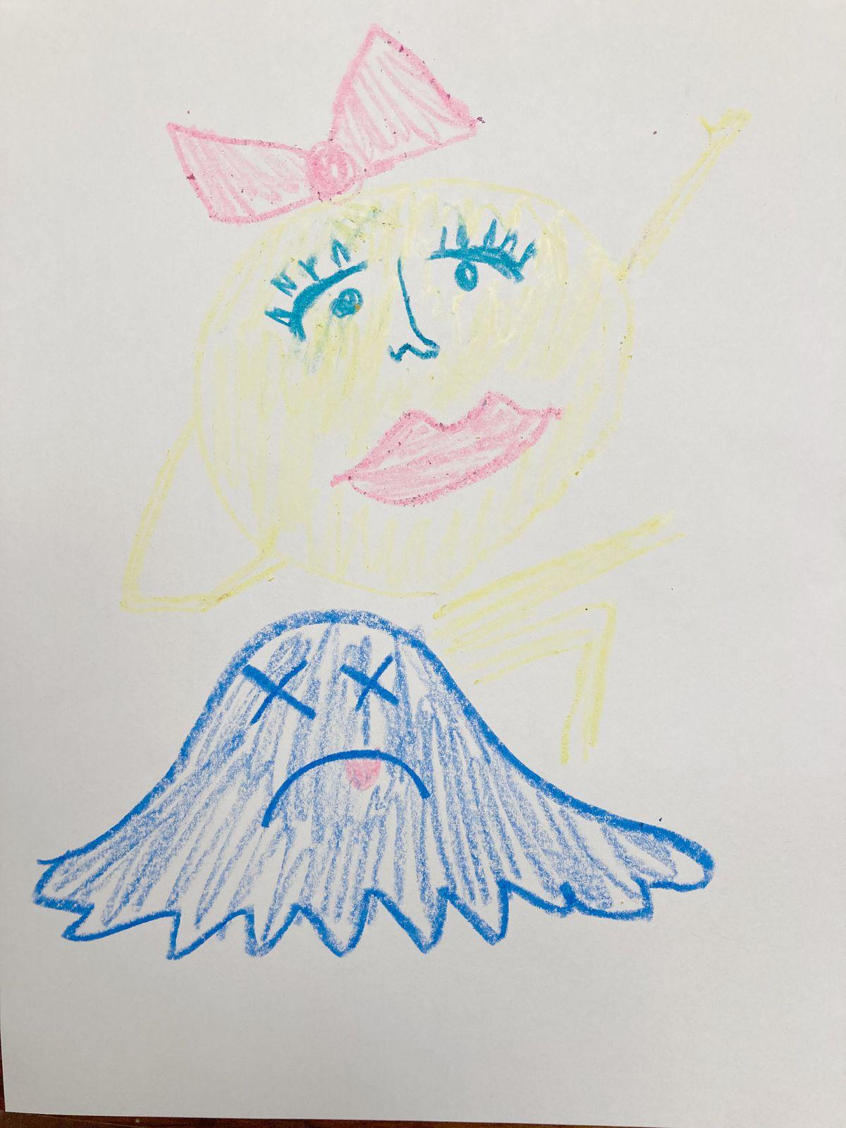 Un dibujo a lápiz de la Sra. Pac-Man celebrando su victoria, con la forma colapsada de un fantasma azul frente a ella.
