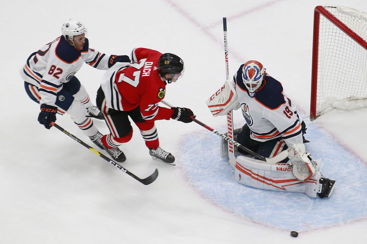 NHL: Western Conference Qualifications-Edmonton Oilers vs Chicago Blackhawks