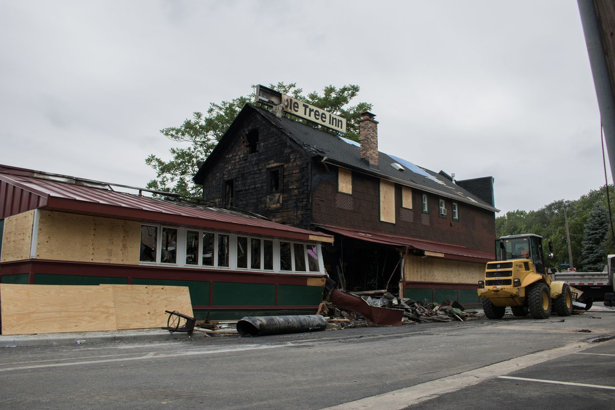 The Maple Tree Inn's sign melted partially because of the blaze. | Manny Ramos/Sun-Times