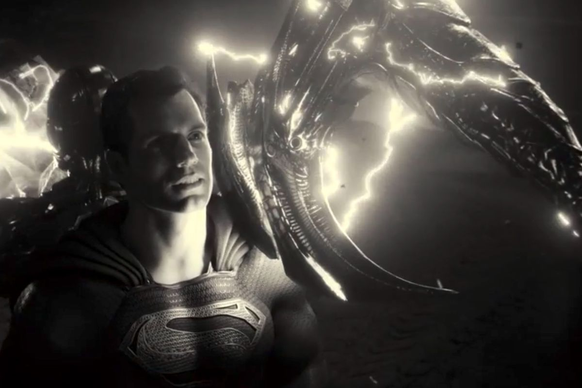 superman gets hit by steppenwolf's axe in justice league: justice is gray
