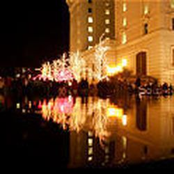 Visitors get their first look at 2005 Christmas lights in downtown Salt Lake after the switch was ceremonially thrown by Rep. Jim Matheson.