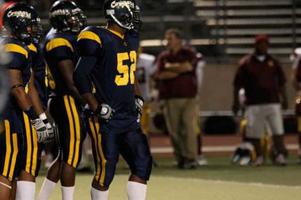 """via Jim Bloomfield, <a href=""""http://www.canyons.edu/offices/athletics/football/09Season/Photos/GCC/index.html"""" target=""""new"""">College of the Canyons</a>"""