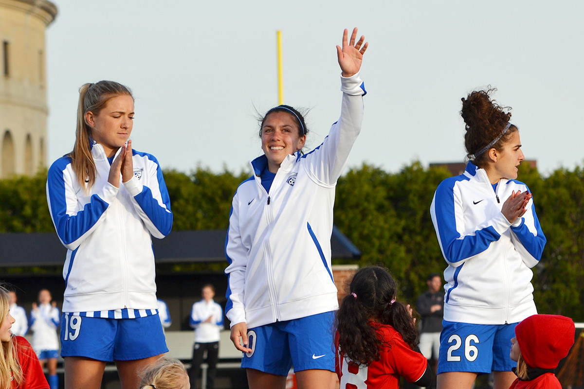 Mollie Pathman waves during the introductions before Breakers vs Reign