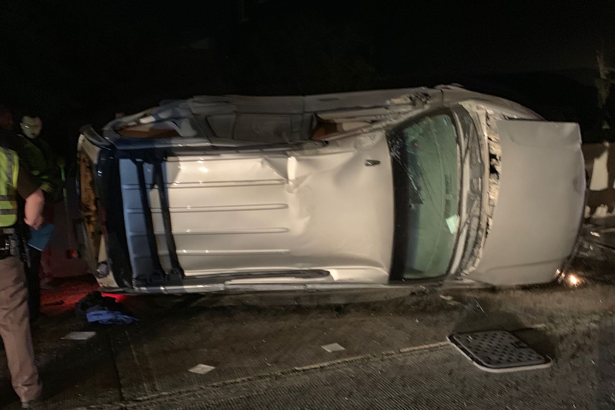 Man killed after crashing into I-15 barriers