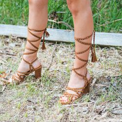 ...to let her gladiator sandals be the focus.