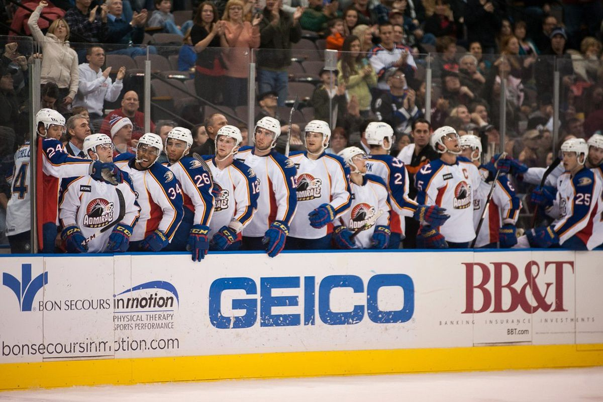 Norfolk Admirals Wait As A Team For Another Win