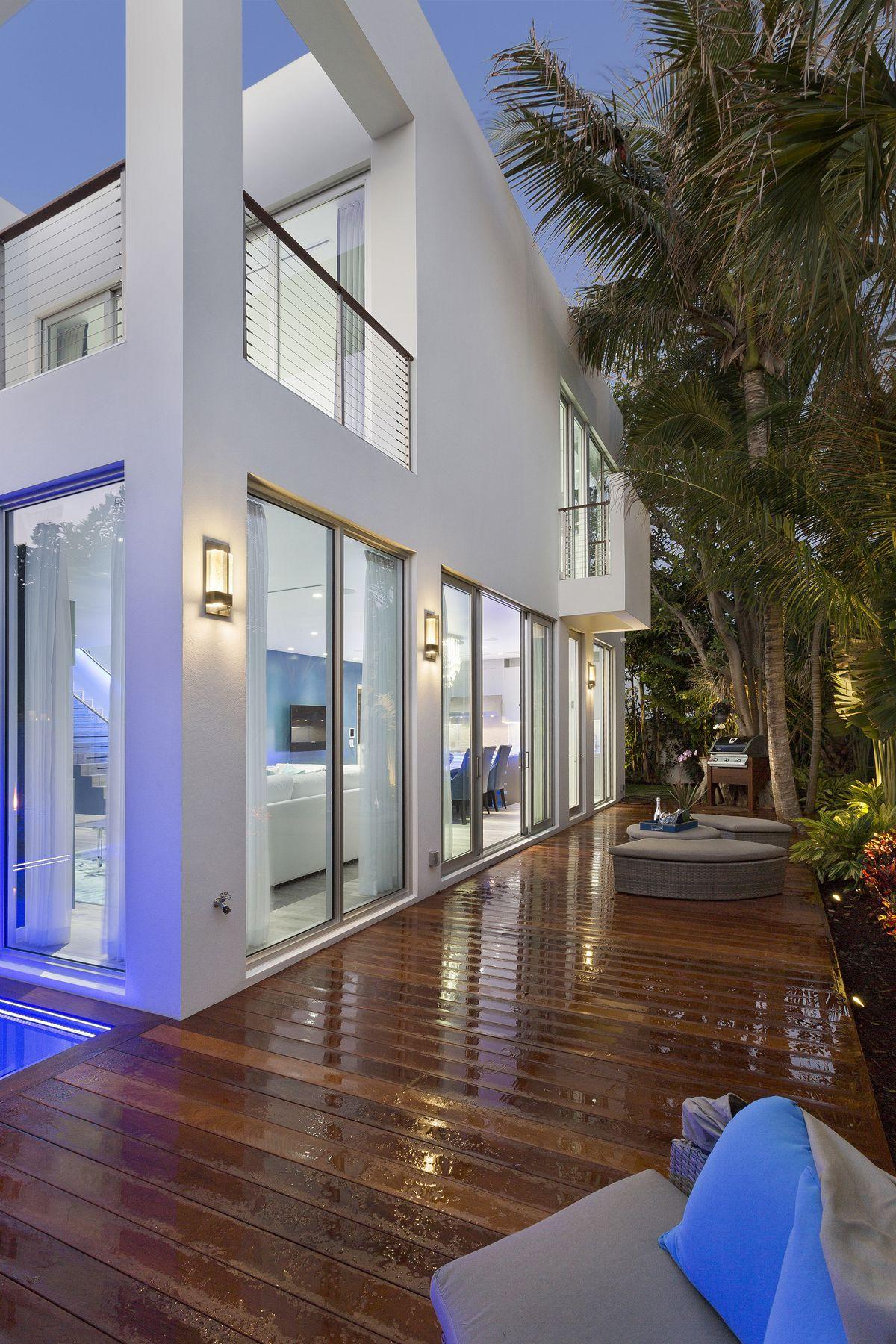 Tour Frank Mckinney S 4m Florida Micro Mansion Curbed