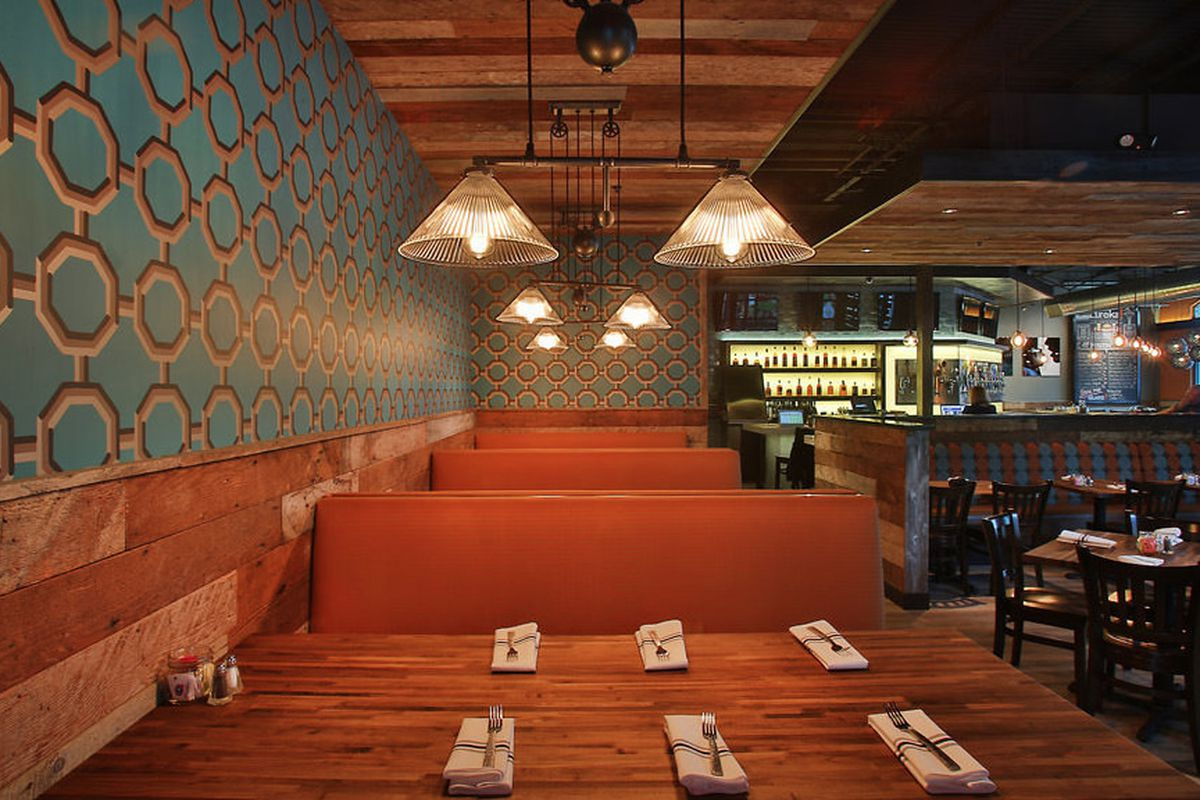 """<a href=""""http://seattle.eater.com/archives/2013/11/25/eureka-opens-today-in-uvillage.php"""">Eureka!, Seattle</a>"""