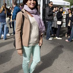 Veronica is wearing a coat from Uniqlo, Zara pants, a Zara top, and K-Swiss shoes. Her scarf is from Nordstrom.