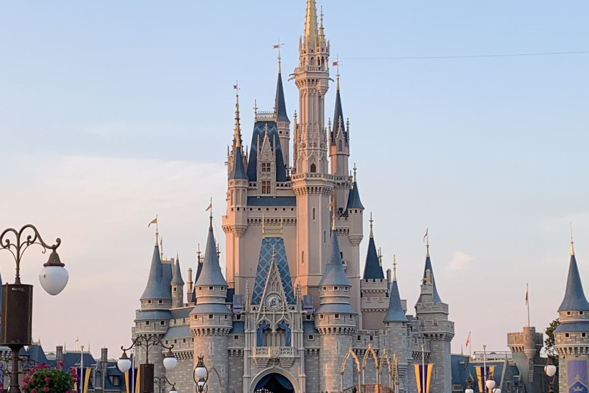 A picture of the castle at Disney World Orlando