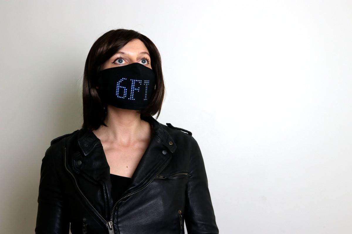 Lumen Couture's LED mask