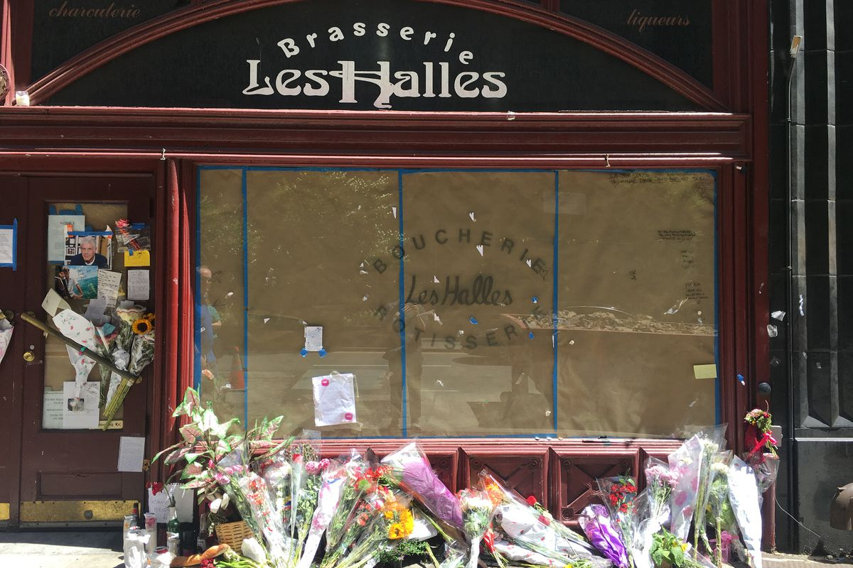 Anthony bourdains les halles memorial notes will be preserved the scene at les halles on thursday izmirmasajfo