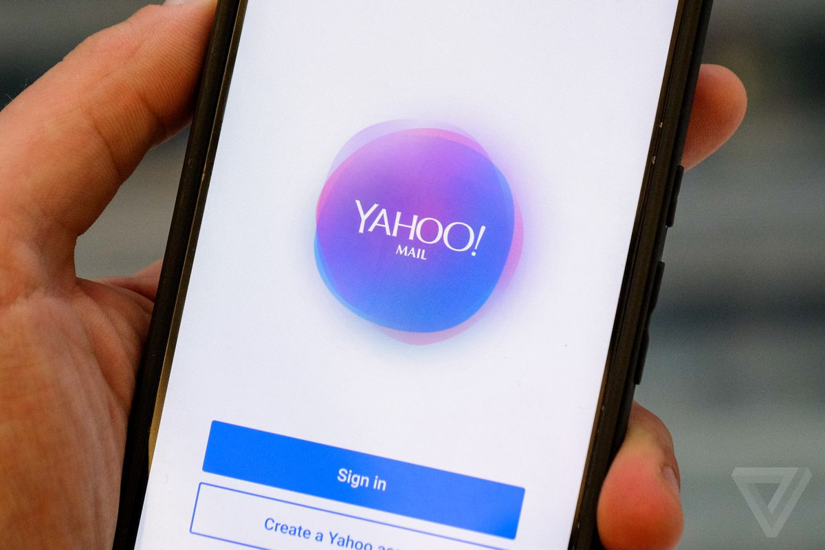 Yahoo joins Google and Facebook in warning users about state