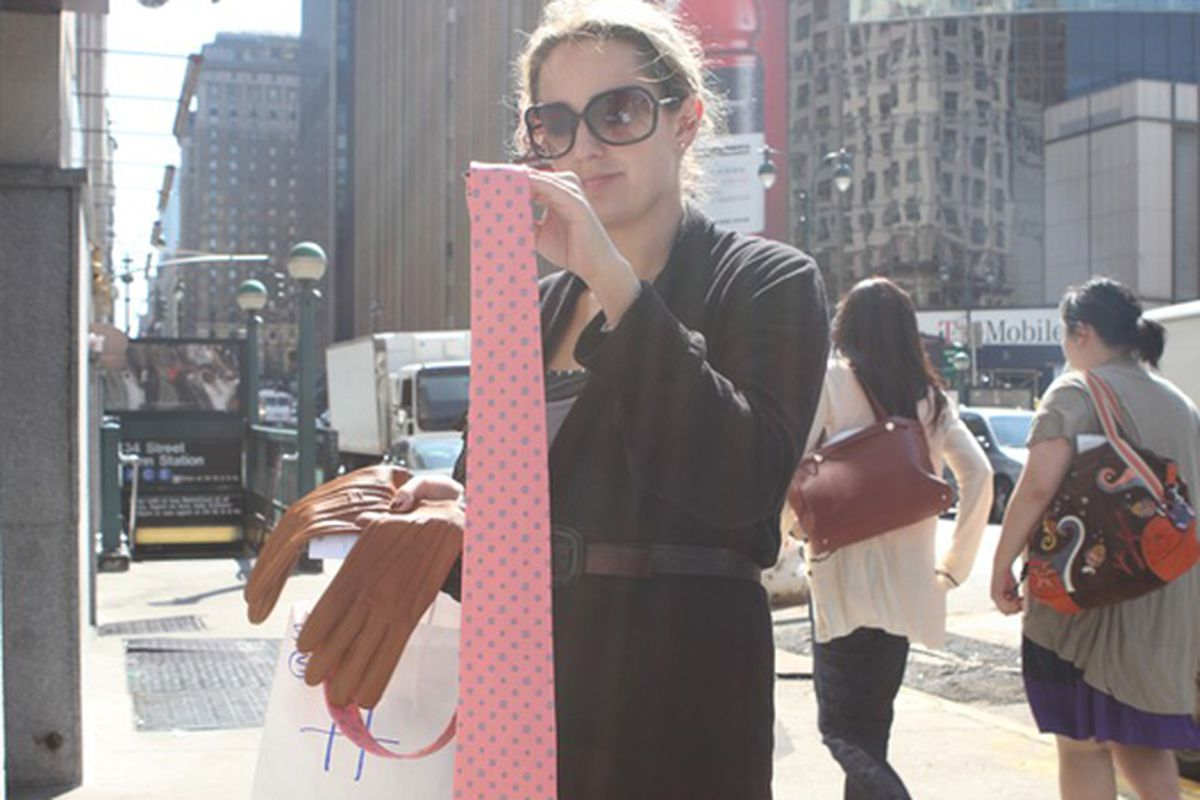"""Image via <a href=""""http://www.dnainfo.com/20100922/midtown/hermes-sample-sale-stinks-fashionistas-say"""">DNAinfo</a>"""