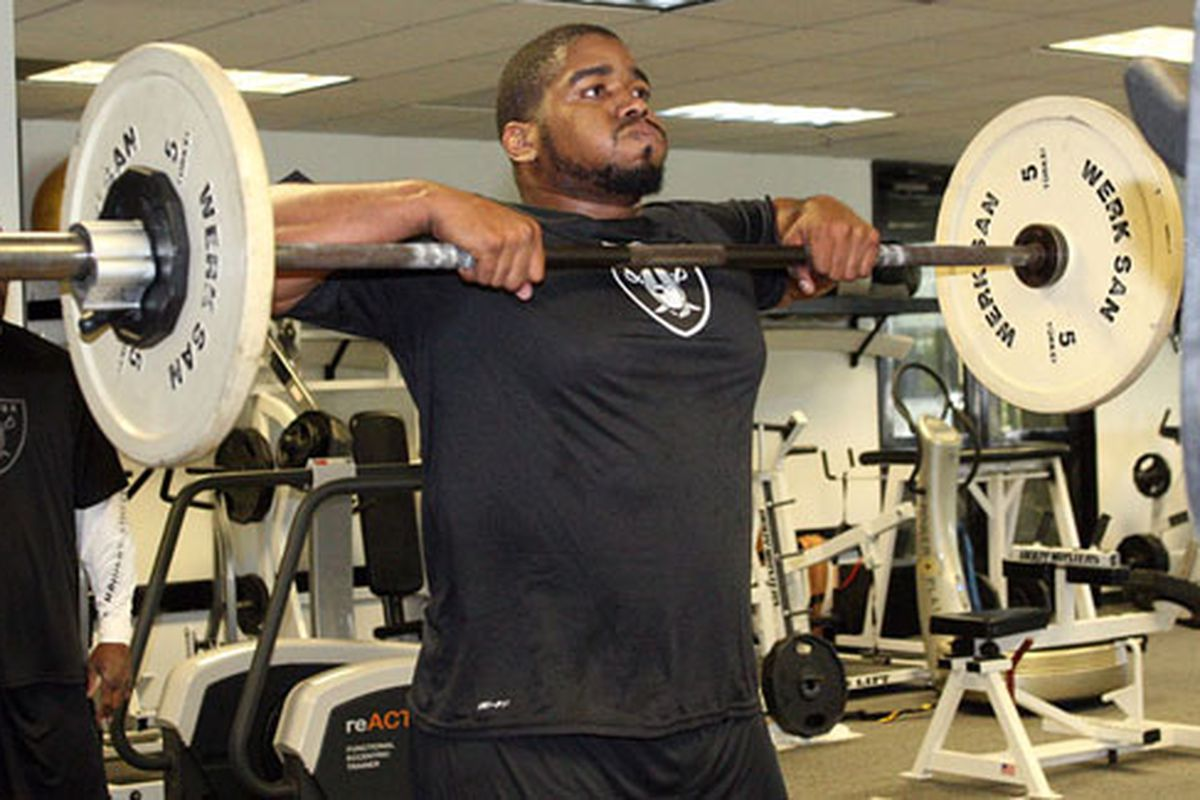 Oakland Raiders defensive lineman, Vance Walker, works out at the team facility