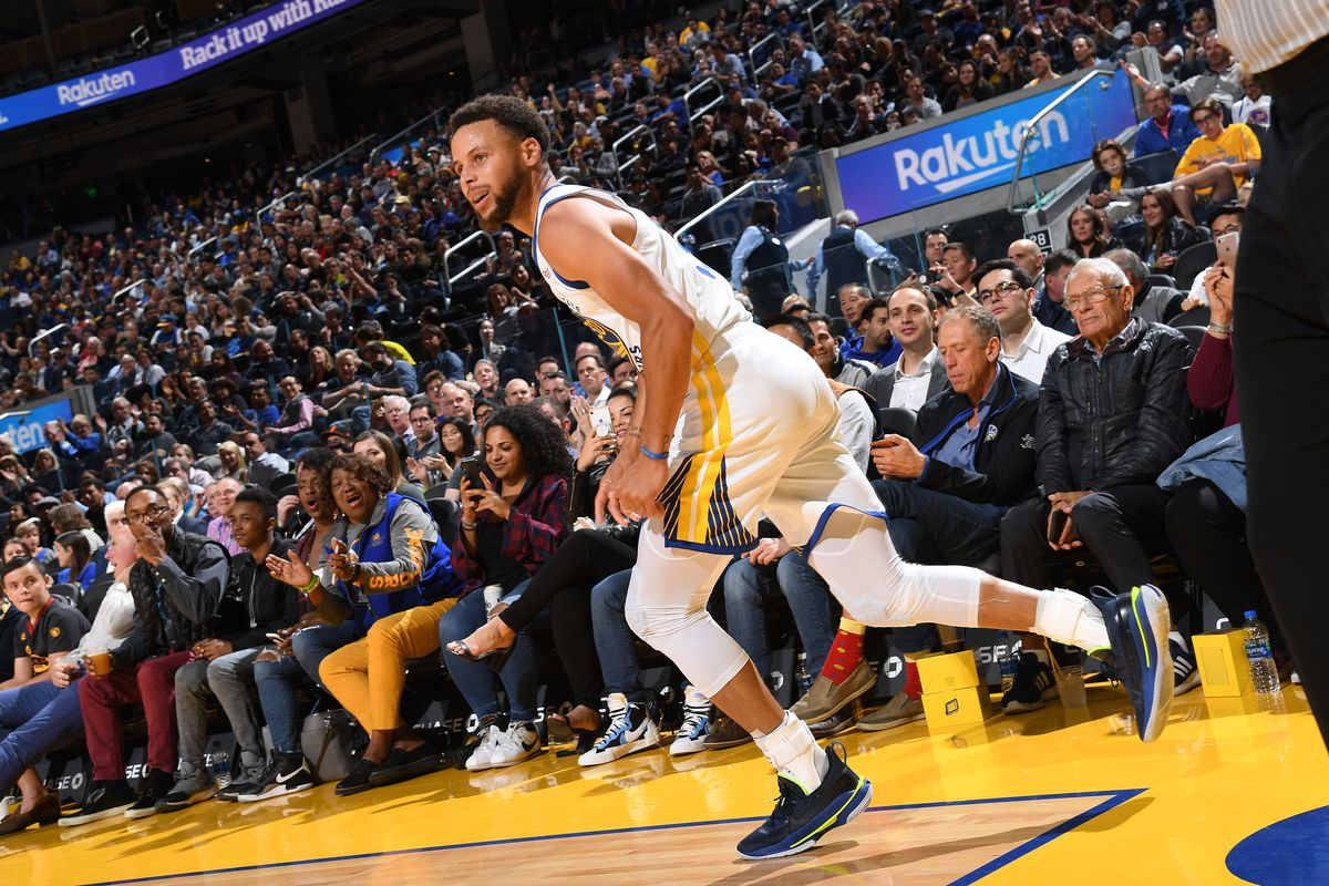 Curry's 40 points lead Warriors to blow out Timberwolves 143-123
