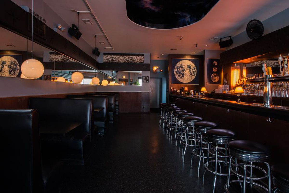 The Orbit Room\'s New Ownership is Closing The Bar - Eater Chicago