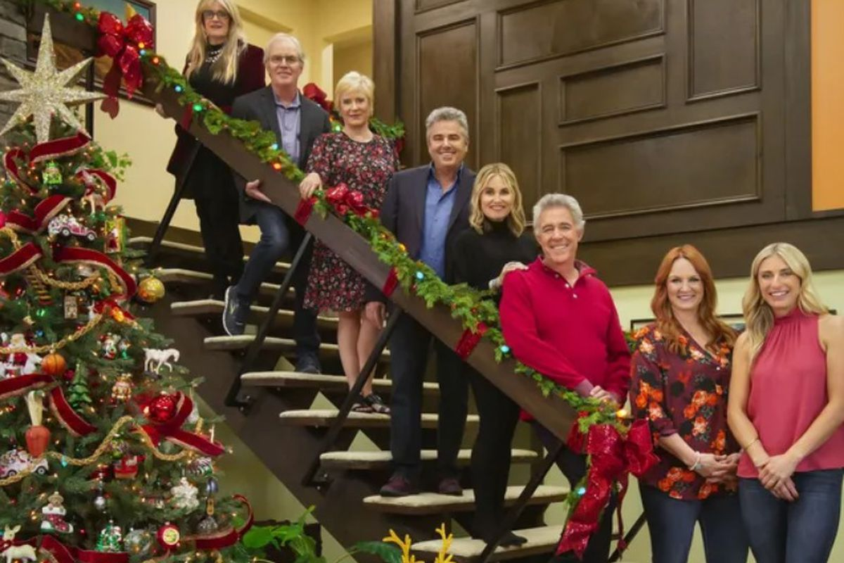 'Brady Bunch' renovated house the setting for cast's holiday reunion special