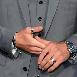 Plus! His maximalist hand situation.