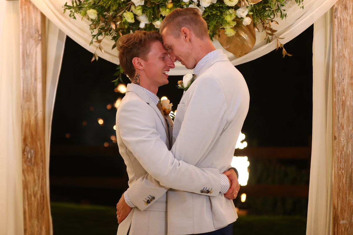 Couples Wed At Midnight Ceremonies As Australian Marriage Act Takes Effect