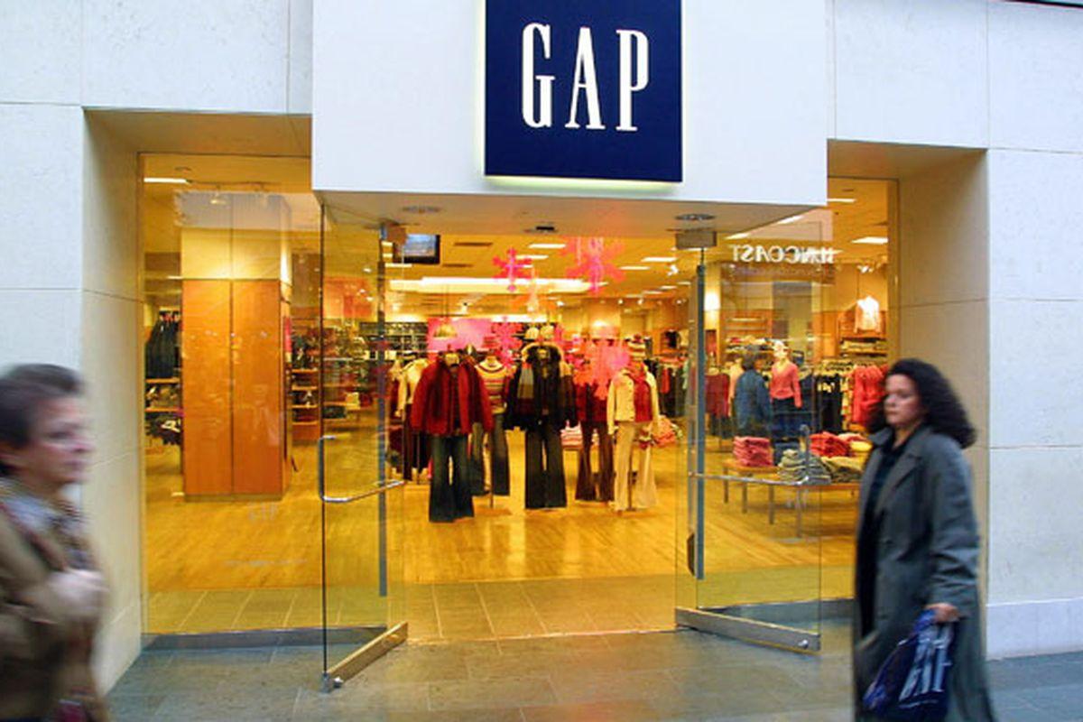 """Image via <a href=""""http://www.thebenbram.com/portfolio/gap-album/"""">TheBenBram.com</a>"""