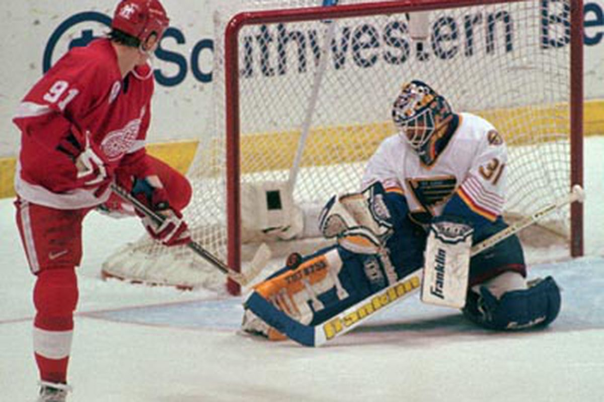 Its the Great Grant Fuhr show ladies and gents!