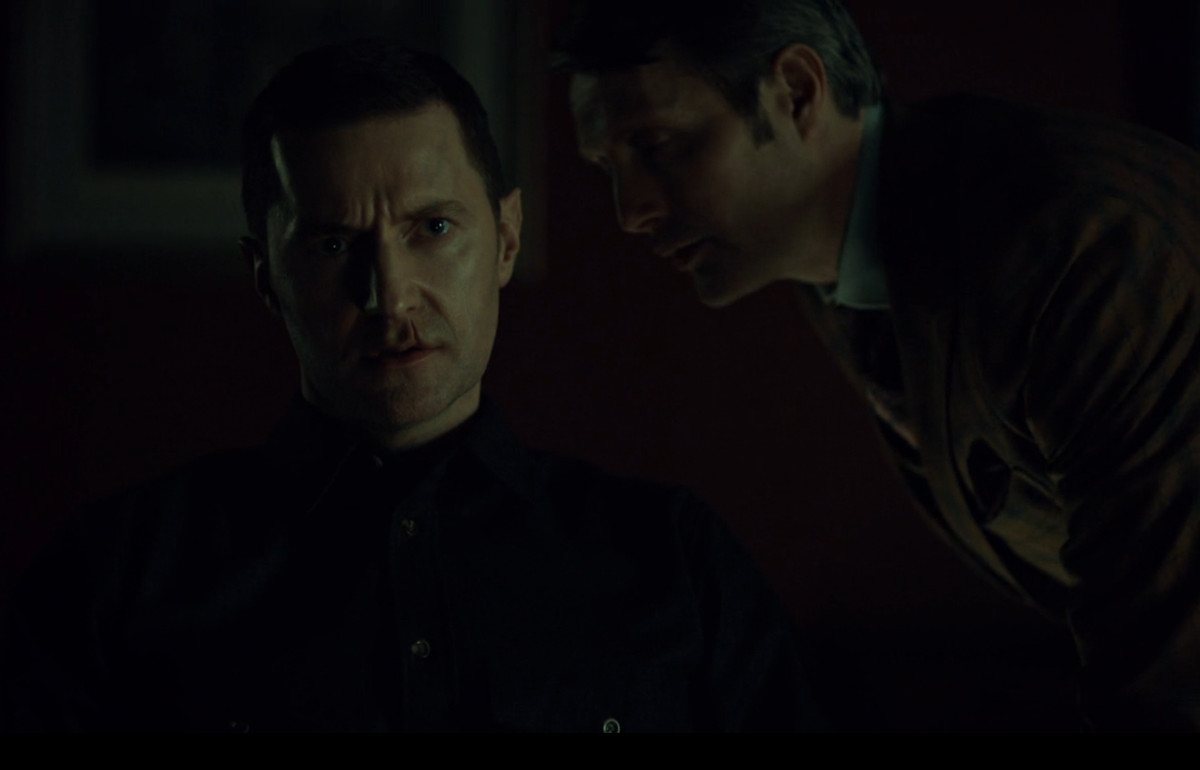 Hannibal gives Francis the idea to attack Will's family.