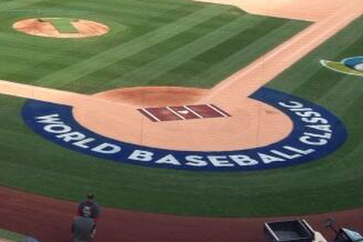 2 hrs Salt River Fields is getting ready for #Dbacks vs Mexico.