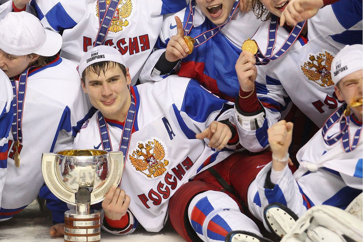Future Cap <strong>Dmitri Orlov </strong>poses after Russia's win (photo: Getty Images Sport)