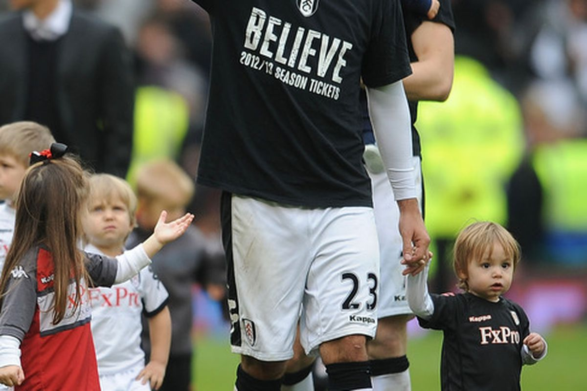 LONDON, ENGLAND - MAY 06:  Clint Dempsey of Fulham puts his thumbs up during the Barclays Premier League match between Fulham and Sunderland at Craven Cottage on May 6, 2012 in London, England.  (Photo by Christopher Lee/Getty Images)