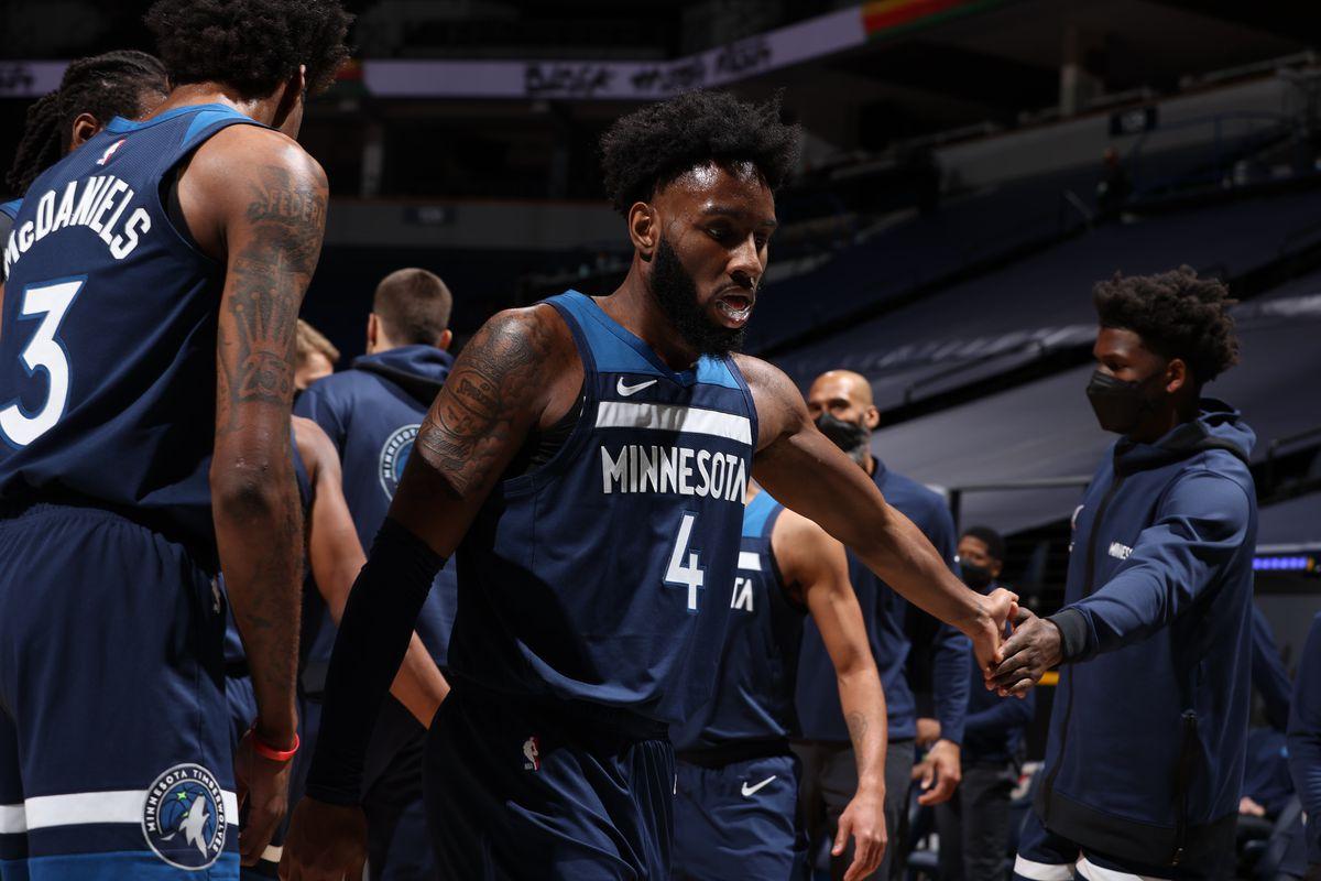 LA Clippers v Minnesota Timberwolves