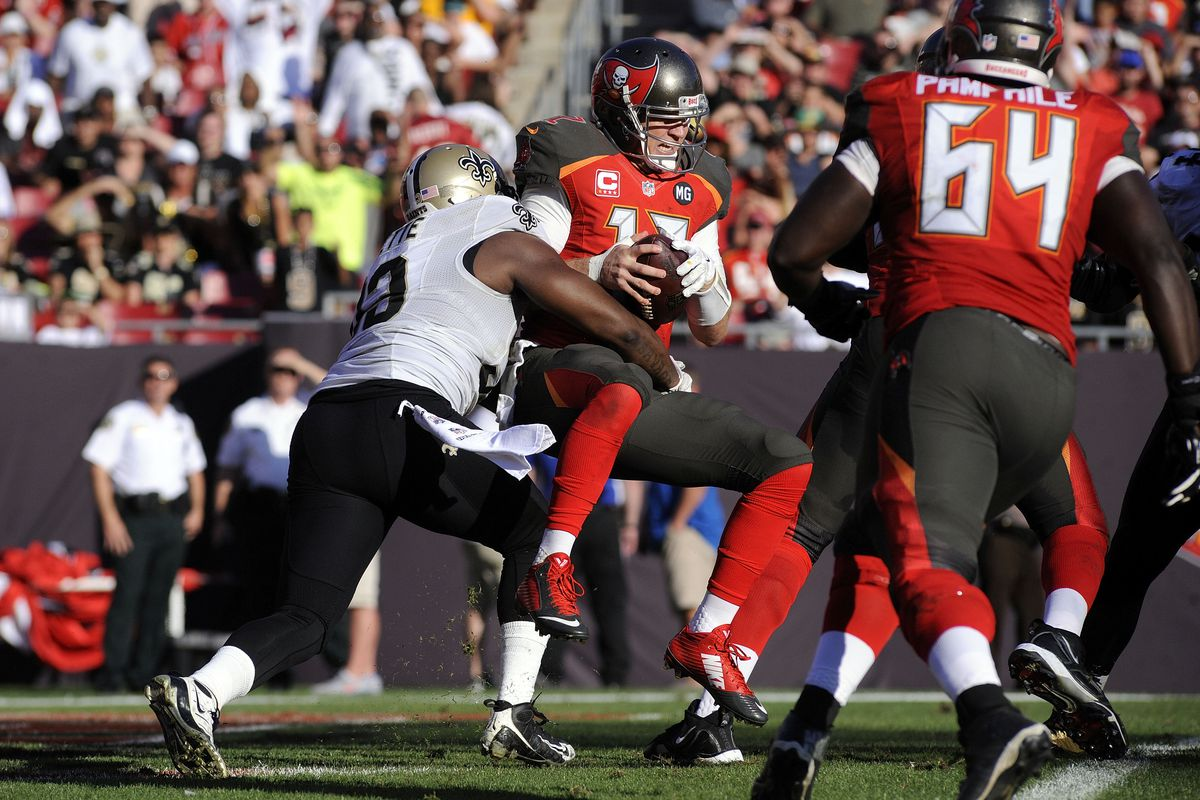 The Buccaneers consistently lost the battle in the trenches in the 2014-2015 season.