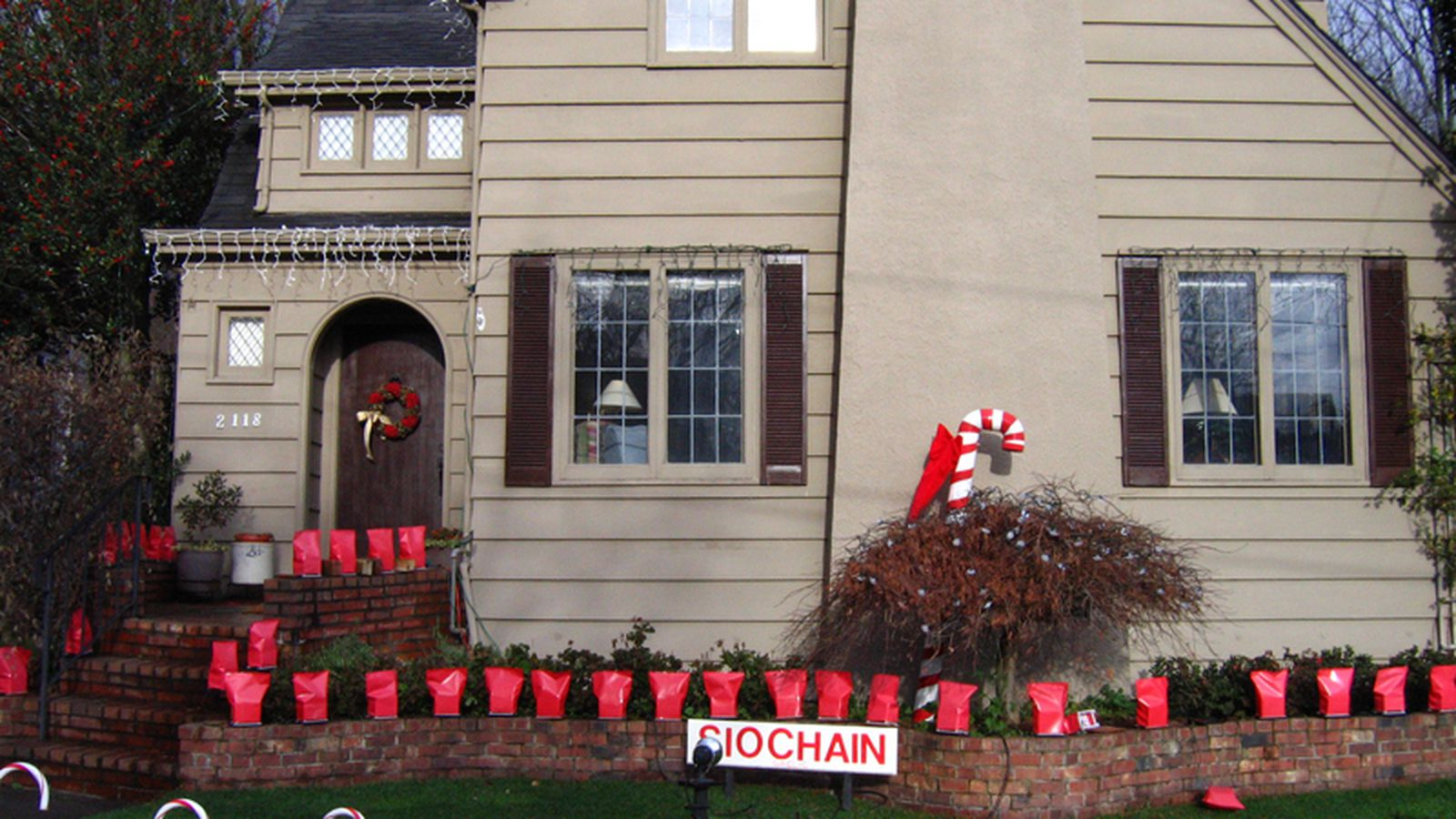 Grinch stealing lights christmas decorations - Some Grinch Stole Candy Cane Lane Christmas Decorations Curbed Seattle