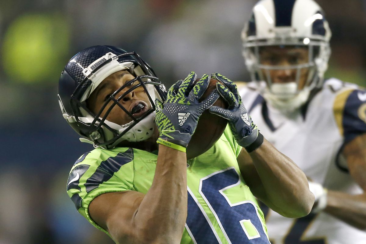 Tyler Lockett Rejoins Seahawks On Field Returns Punts