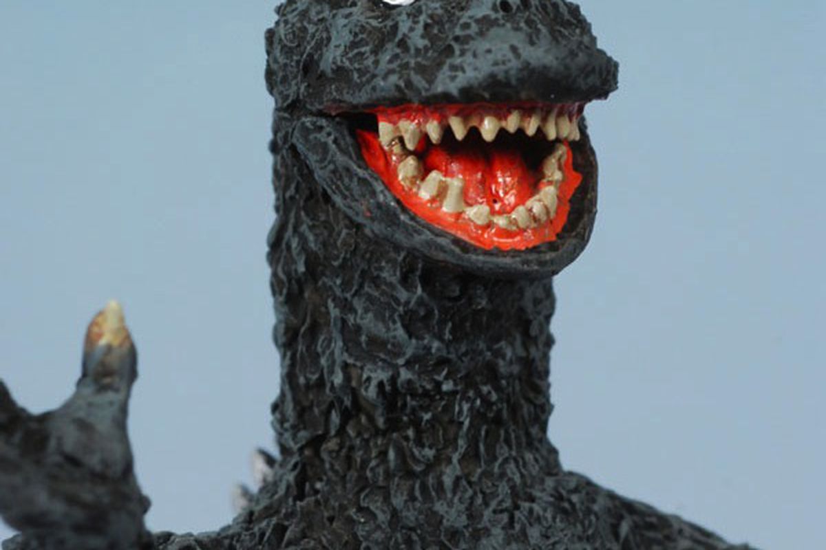 "Godzilla via <a href=""http://www.mwctoys.com/REVIEW_092607a.htm"">MCW Toys</a>"