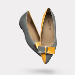 """Duo-tone shoes: <strong>Anyi Lu</strong> The Delia, <a href=""""http://anyilu.com/collections/all/products/deliadvmg"""">$395</a>"""