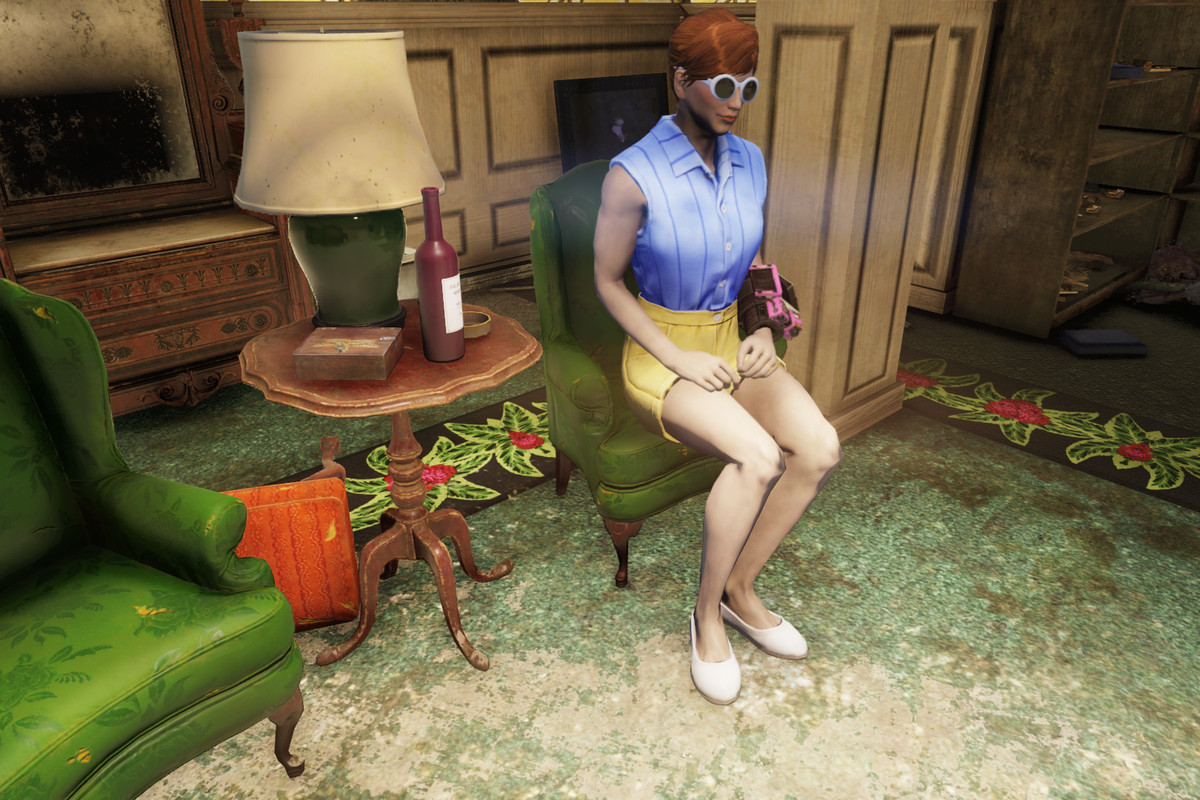 Wine mom Abigal Havelock sits in a chair in a screenshot from Fallout 76