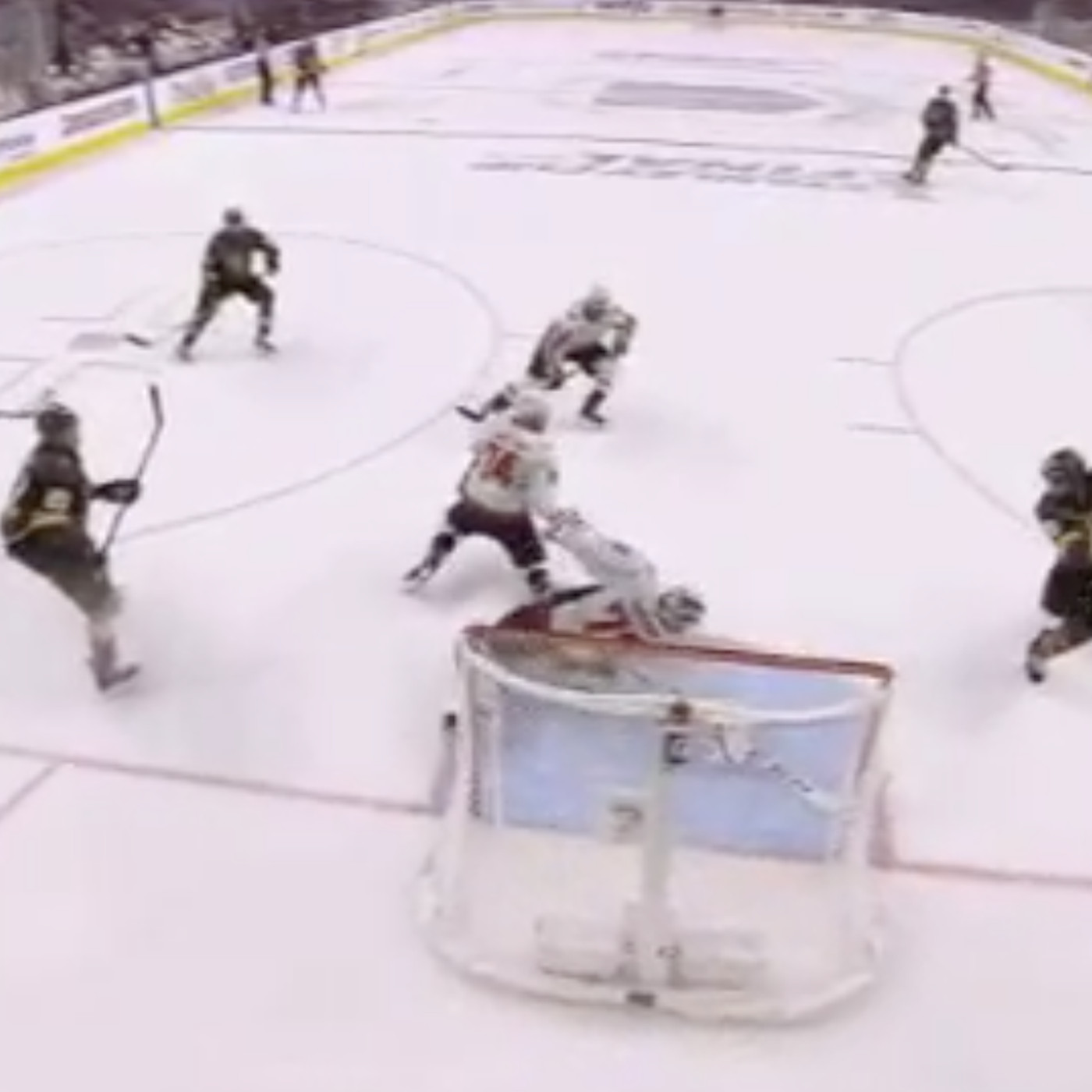 96a7cecc3 Stanley Cup results  Capitals beat Knights on Braden Holtby wild save -  SBNation.com