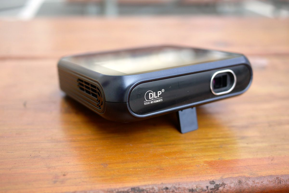 A Mobile Hotspot That Pulls Double Duty as a Mini Projector
