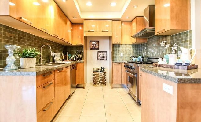 Kitchen with plenty of cabinetry