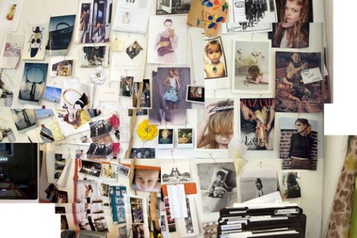"Inside the office of J. Crew creative director Jenna Lyons. Image via <a href=""http://www.huffingtonpost.com/rachel-strugatz/j-crews-jenna-lyons-see-w_b_227158.html"">Huffington Post</a>."