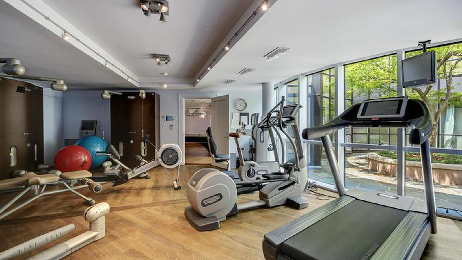 Chevy 3 3 >> 5 multi-million-dollar Maryland homes with full gyms ...